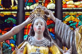 "(""Crowning Mary"" –Johann Jaritz, Carinthia, Austria, Wikimedia Commons)"